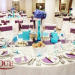 Decor masa invitati si aranjament floral hortensie Hotel Bellaria realizat de Unique Moments Iasi