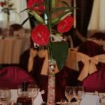 aranjament-floral-masa-invitati-anthurium-si-crini-imperiali