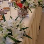 aranjament-floral-masa-invitati-anthurium-si-crini-imperiali-eustoma