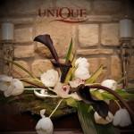 aranjamente-florale-lalele-albe-orhidee-si-cale-negre-pe-muschi-de-pamant