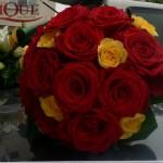 buchet-nasa-trandafiri-rosii-si-galbeni