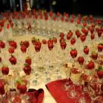 decor-nunta-masa-intrare-pahare-decorate-cu-capsuni