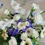 Aranjamente floral prezidiu botez trandafiri hortensie albastra gerbera eustoma Unique Moments