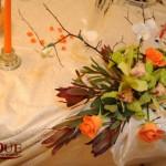Aranjamente florale prezidiu orhidee verde trandafiri portocalii dendrobium leucadendron Capitol Unique Moments