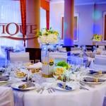 Decor masa nunta  argintiu alb galben