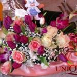 Masa prezidiu botez aranjament floral lalele, orhidee mov, trandafiri roz Unique Moments