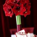 Aranjament floral masa invitati amaryllis rosu numar masa Motel Bucium Unique Moments