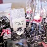 Decoratiuni nunta alb negru numar de masa cristale vaza inalta Motel Bucium