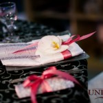 Nunti decor 2011 brocart negru argintiu marturii si accesorii argintii masa invitati Unique Moments