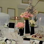 Aranjamente florale lalele roz albe crengute decorative Astoria Iasi Unique Moments