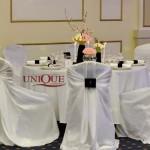 Decor masa invitati nunta tafta  alba catifea albastra Restaurant Astoria Traian Iasi