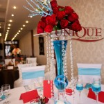 Decoratiuni masa trandafiri rosii cristale accesorii nunta turquoise Motel Bucium 2012