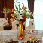Decoratiuni florale mese nunta lalele trandafiri